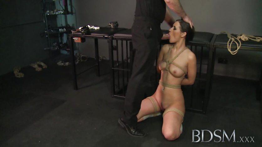 Bondage Master brings his  sizzling sub girl to orgasm