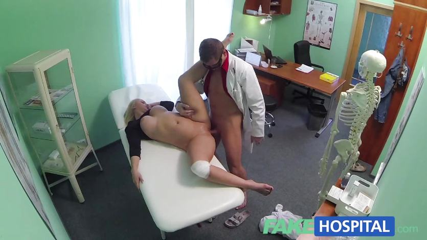 Thick beautiful blonde let's doctor work