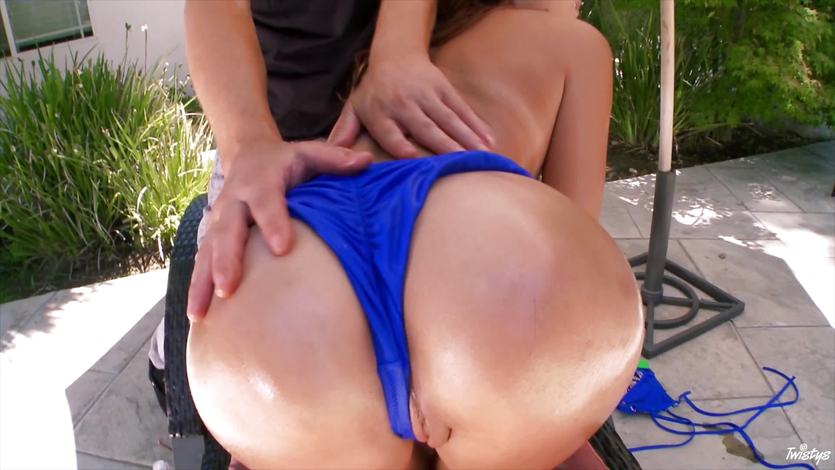 Sexy bikini honey Ariana Marie oiled up and fucked