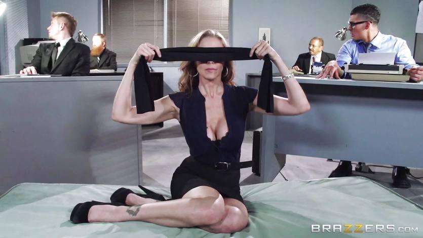 Juicy boss Julia Ann gets an in work threeway