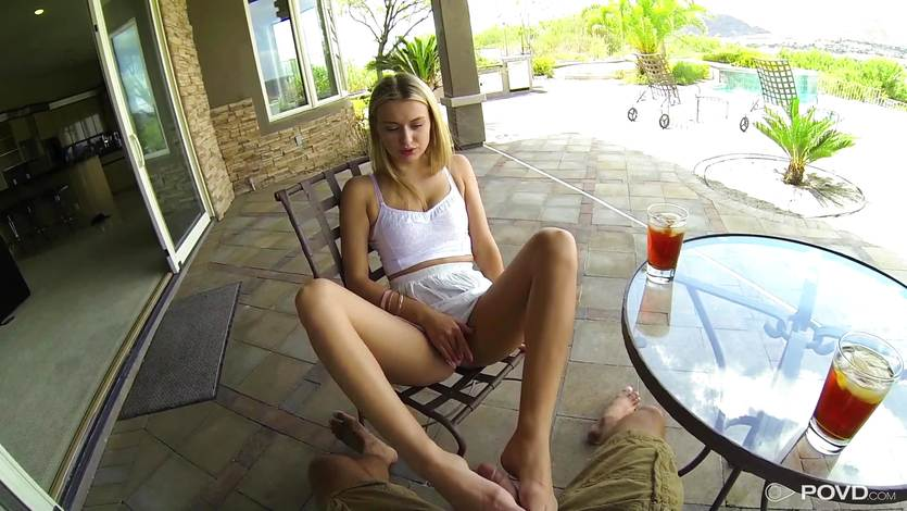 Blonde Natalia Starr just wants to go and fuck