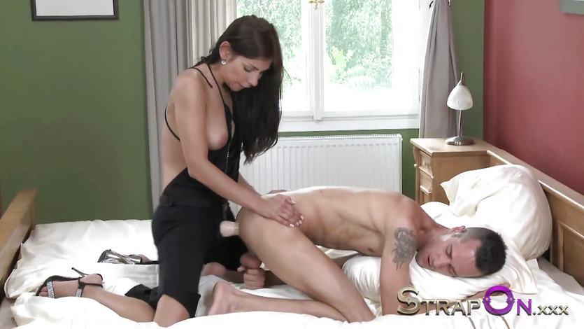 Hot babe fucks her partners ass