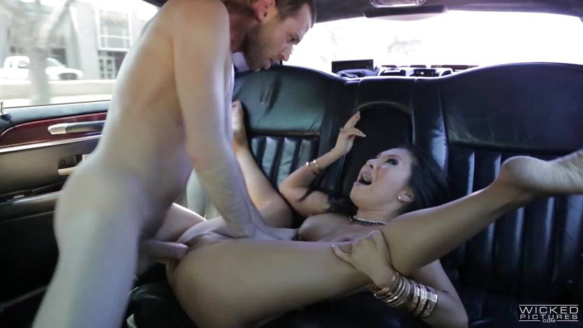 Sexy Asian Asa Akira anal fucking in the back of a car