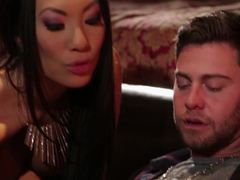 Asa Akira gets saucy with an inexperienced client