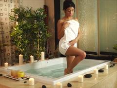 Sexy alone time with bathtime babe Veronica Rodriguez