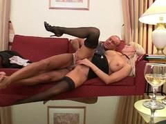 Sara Simon rides this thick cock