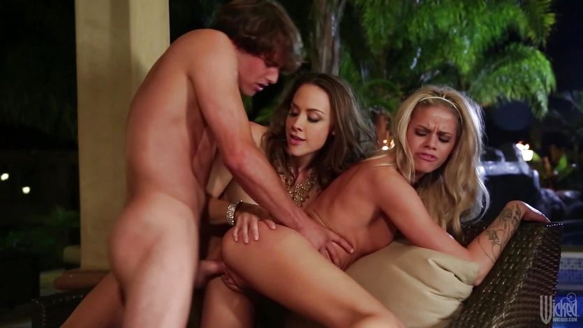 Lucky dude fucks Jessa Rhodes and Chanel Preston