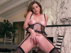 Big boobs and masturbation with Jamie Lynn