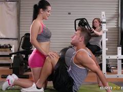 Gym babe Katrina Jade will get every muscle working