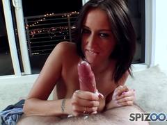 Alexis Grace uses both hands to make him cum