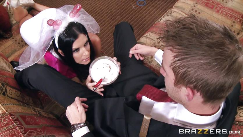 India Summers fucks a huge cock before her wedding