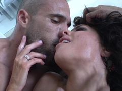Thick dick makes Veronica Avluv squirt her load