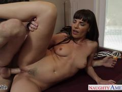 Hottie Dana DeArmond gets her pussy hammered