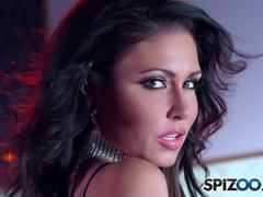 Jessica Jaymes shows off her stunning body and then rubs her shaved pussy