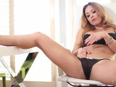 MILF babe Mia Lelani eagerly sucks and fucks dick