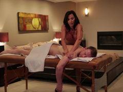 Lezley Zen pleases her massage client