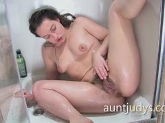 Hot babe Patrizia Berger showering