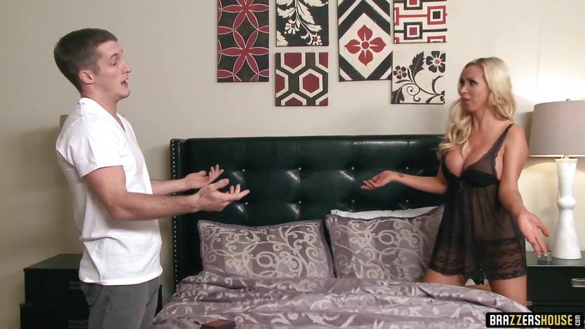 Blonde babe Nikki Benz doesn't expect this fucking