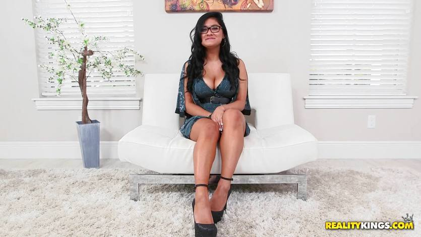 Selena Kyle fucked hard while riding in reverse cowgirl