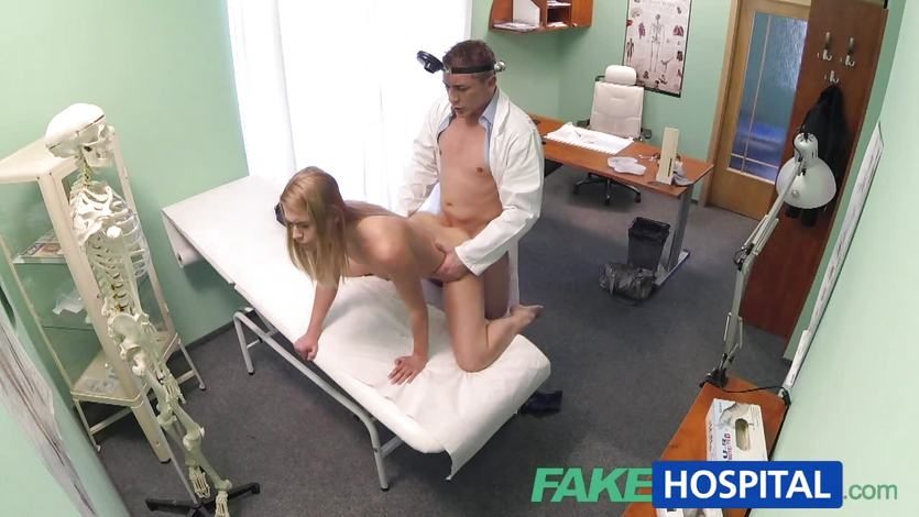 Amateur babe fucked by doctor