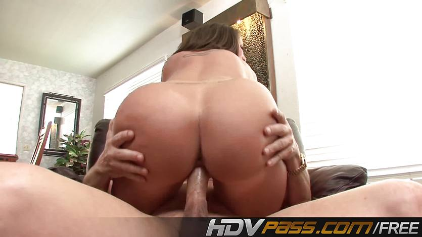 Rampant Kelly Divine loves to fuck