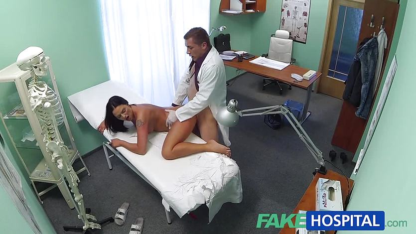 Alluring babe gets her pussy nailed