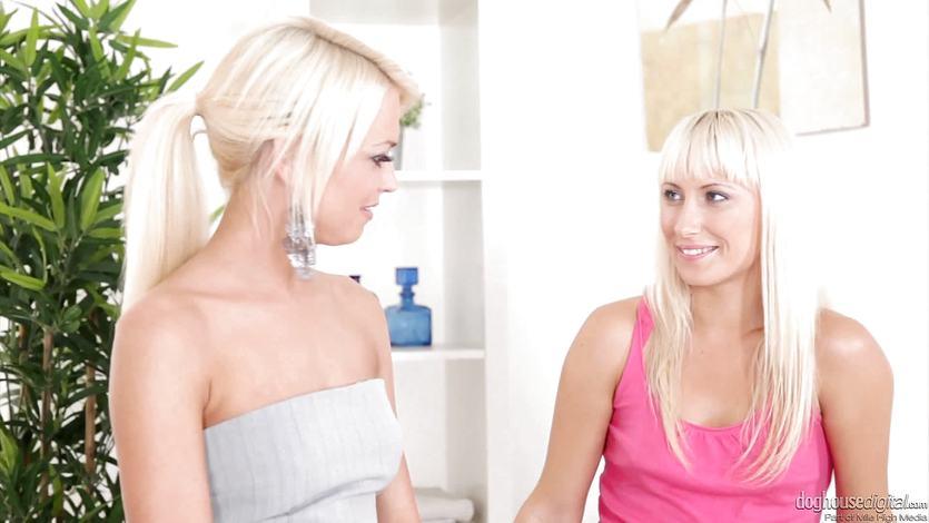 Sexy blonde lesbians Nella Elmeritta and Lena Love
