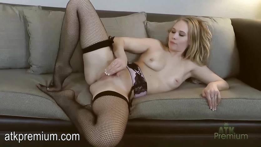 Gorgeous Dakota James masturbating