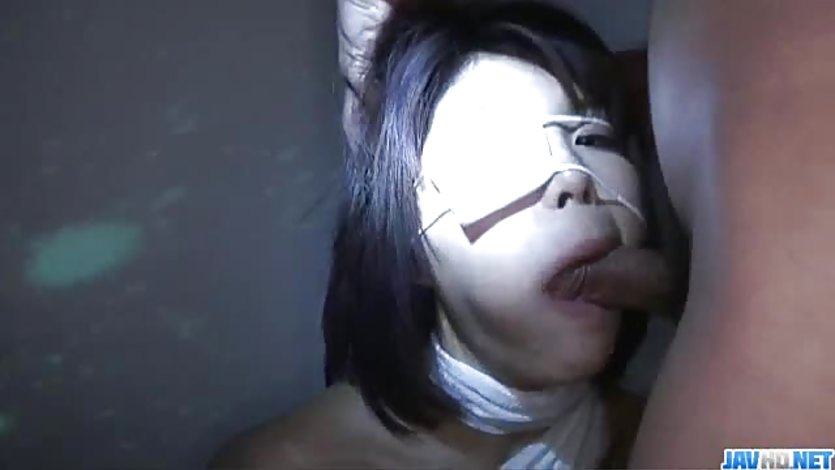 Asian Azumi Harusaki sucking hard cock
