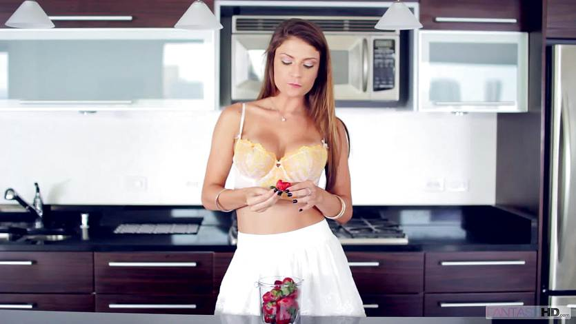 Dillion Carter gets hot and spicy in the kitchen