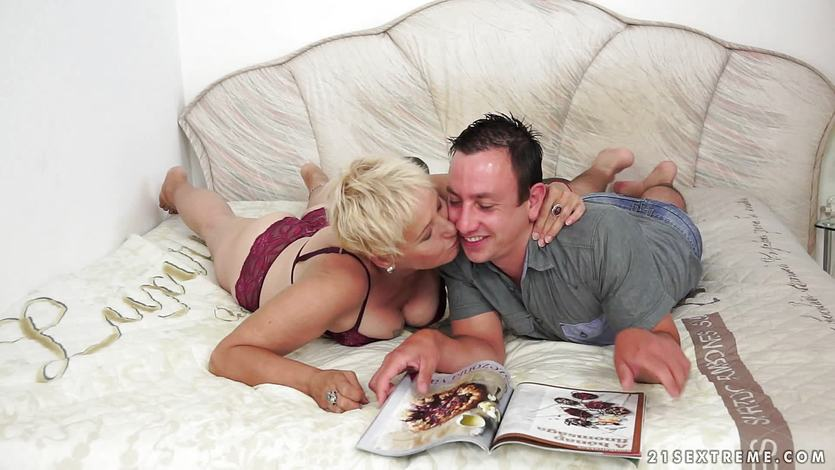 Mature woman licks his dick spilling juices