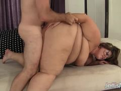 Plumper Erin Green fucks this hard cock