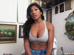 Xo Rivera shows off her incredible body