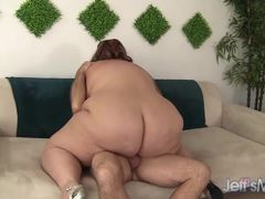 Plumper Erin Green throat fucks this hard cock