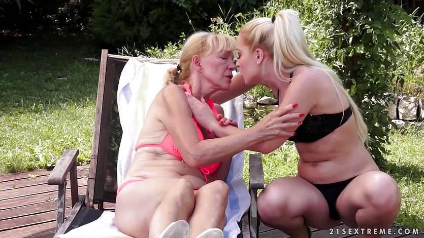 Mature blonde dildo fucks Anastasia Blonde