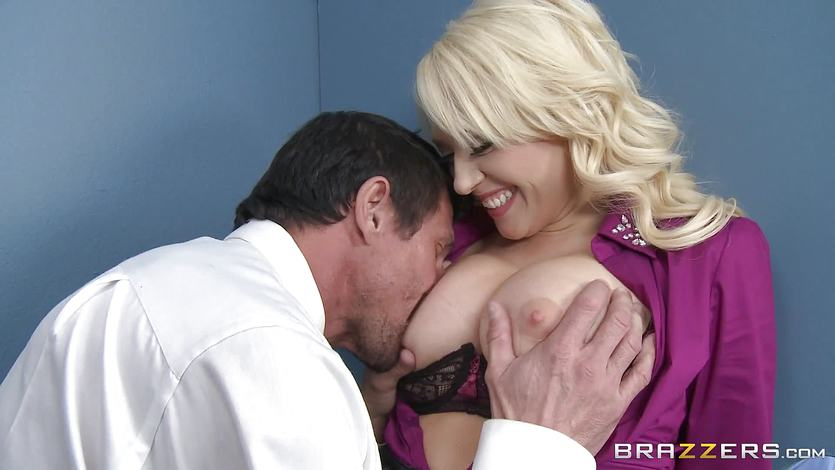 Kagney Linn Karter enjoys hot sex within work time