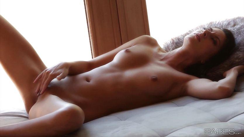 nikki daniels naked