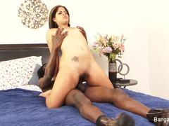 Naughty babe Jasmine Blaze slavers over this huge cock