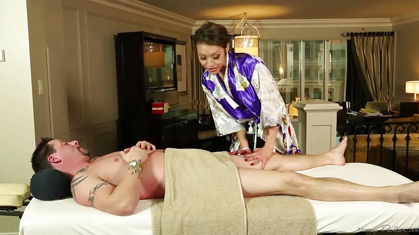 Horny masseuse Jayden Lee sucking cock