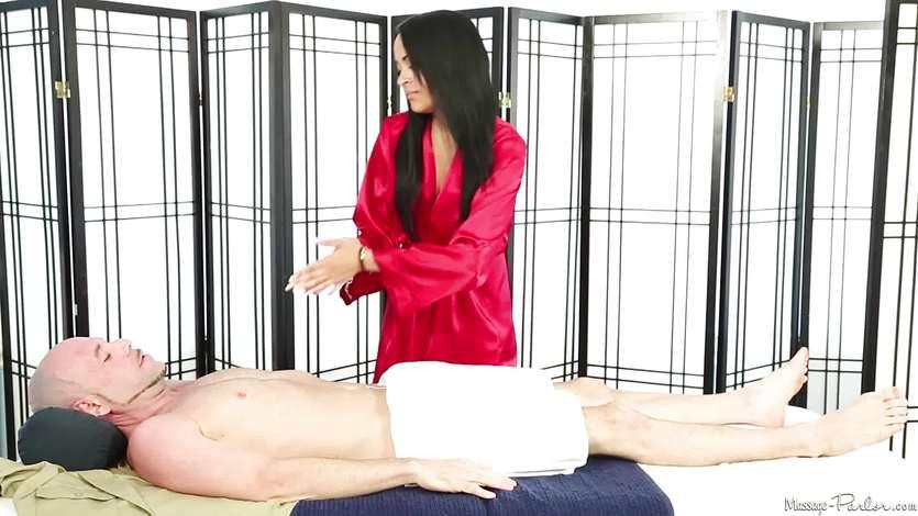 Raunchy brunette Kimberly Kendall sucking cock