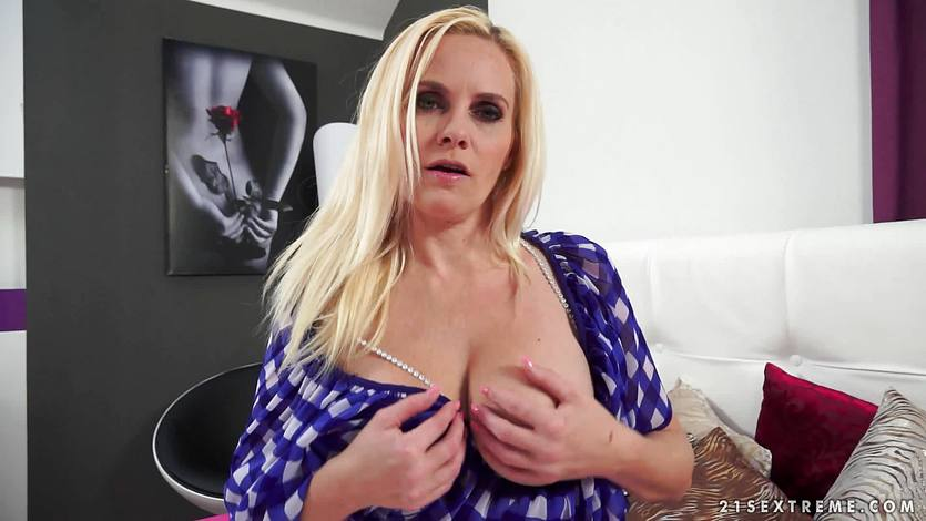 Lili Lou takes a load of hot cum in her mouth