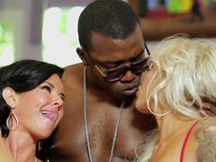 Horny squirters Veronica Avluv and Nina Elle get wet