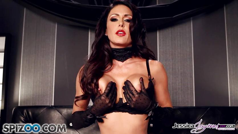 Hot babe Jessica Jaymes pussy playing