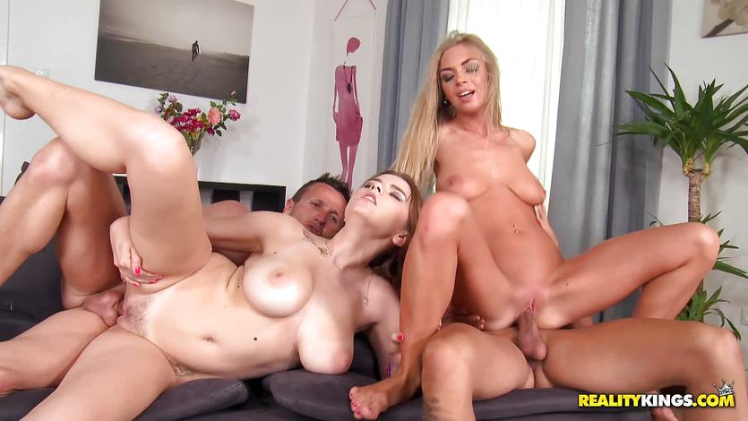 Clam slamming these lovely babes Marina Visconti and Lolly Gartner