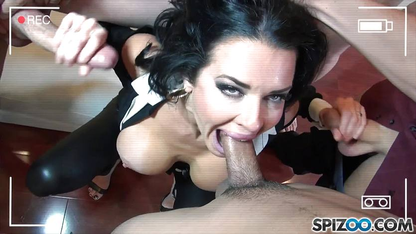 Greedy cum guzzler Veronica Avluv loves cum so much