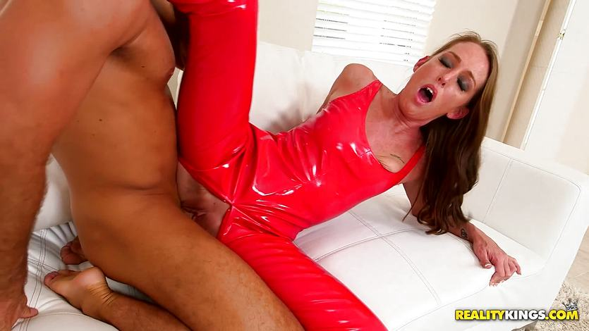 Clit slit of sexy Aria Xcite slammed with huge boner