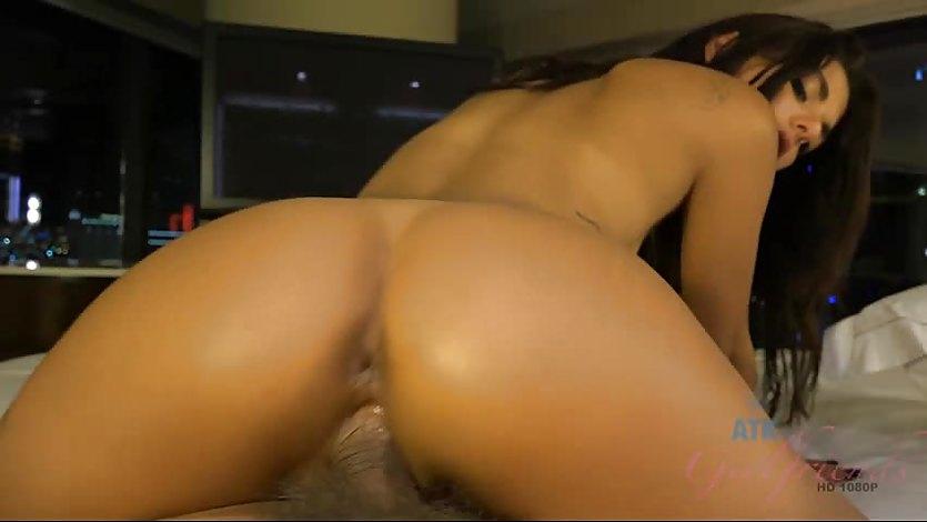 Horny Gina Valentina gets her pussy slammed