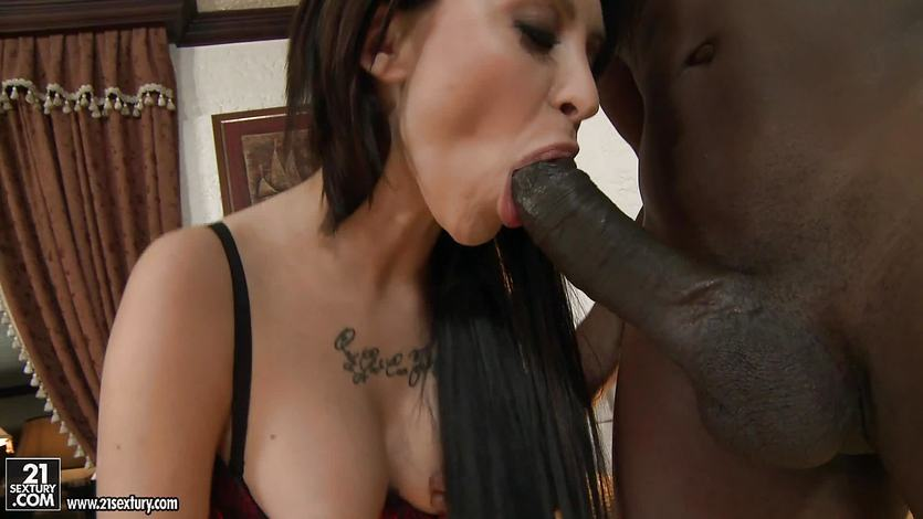 Sandra Luberc gets her ass stretch by a black cock