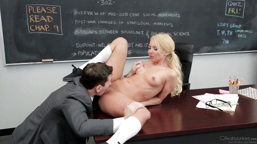 Aaliyah Love takes her teachers dick in her soft pussy