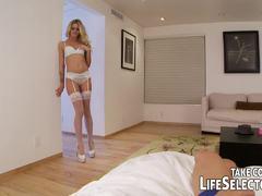 Gorgeous Jessa Rhodes loves to tease